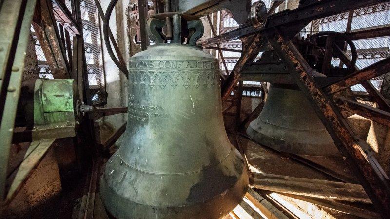Au chevet d'une cloche de trois tonnes à l'église du Sacré-Coeur de La Chaux-de-Fonds