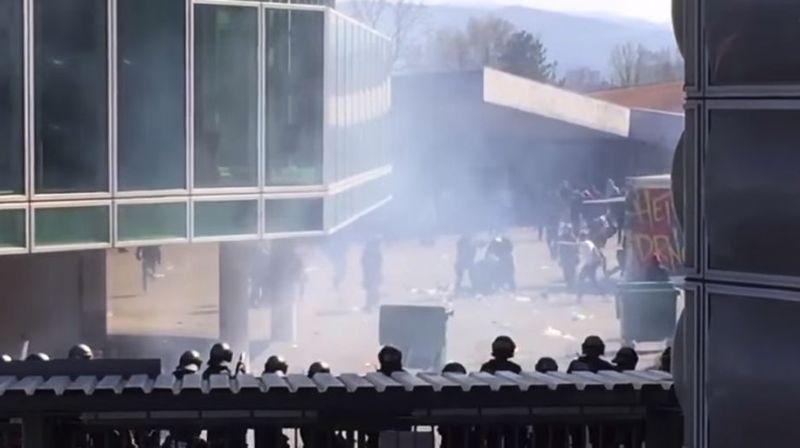 Seize inculpations pour émeute après un match de football à Bâle