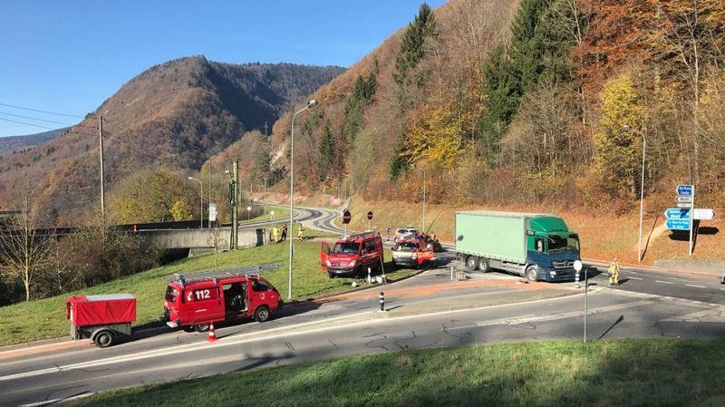 Un camion a pris feu ce mercredi matin dans le Jura bernois.