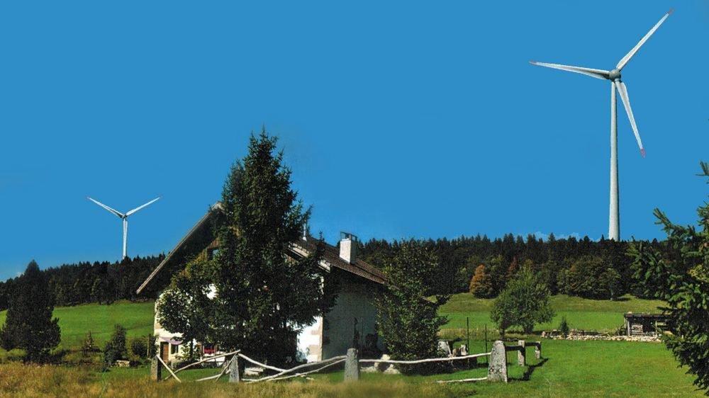 L'éolienne la plus proche de la maison de Claude Meyer, à La Joux-du-Plâne, serait installée à une distance de 340 mètres.