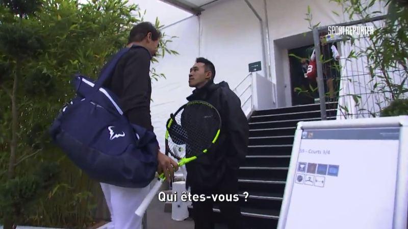 On peut être un des sportifs les plus populaires de la planète, être numéro 1 mondial de tennis et avoir remporté 16 tournois du Grand Chelem et passer pour un parfait inconnu au Masters de Paris Bercy.