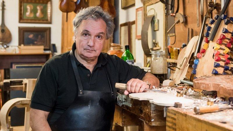 Claude Lebet dans son atelier d'Hauterive.