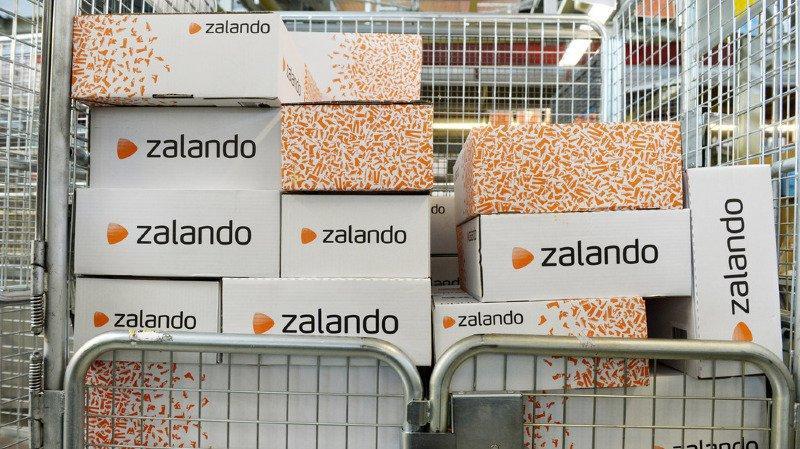 """""""Salaire misérable, énorme pression"""": les conditions d'employés suisses de Zalando dénoncées"""