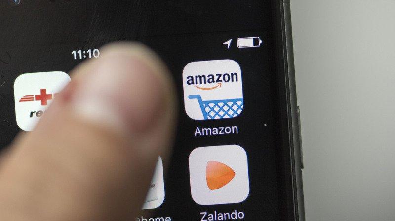 Achats en ligne: avec La Poste, le géant Amazon débarque en force sur le marché suisse