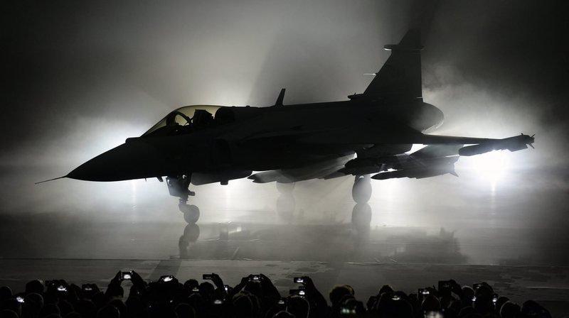 Armée: 8 milliards au maximum pour les jets de combat et le sol-air