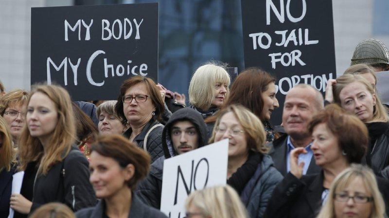 Santé: les droits à la contraception et à l'avortement régressent en Europe