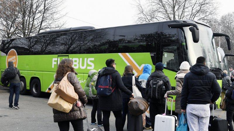 Transports: les bus longue distance ne seront pas libéralisés en Suisse