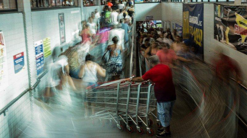 Ce vendredi, de nombreux clients profiteront des bonnes affaires du Black Friday, dans les magasins ou sur le Net.