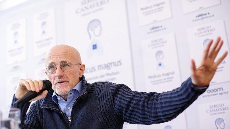 Sergio Canavero s'est exprimé devant la presse vendredi à Vienne.