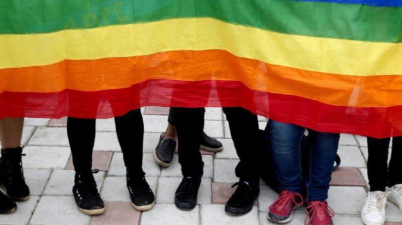 """Mondial 2018: """"Allez à la Coupe du monde, mais soyez prudents"""", le message adressé aux homosexuels"""