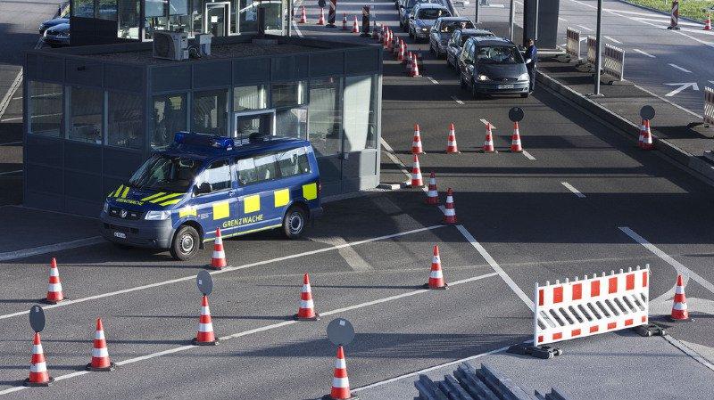 Argovie: trois personnes arrêtées à la douane de Rheinfelden à cause d'explosifs