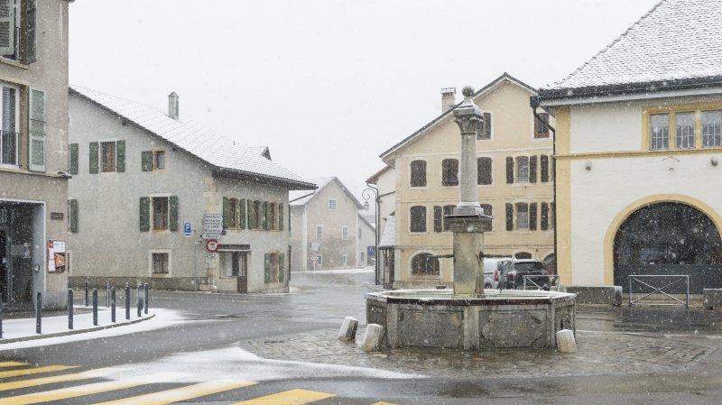 A Val-de-Travers, les finances ne sont pas sorties du mauvais temps, comme ici à Môtiers.