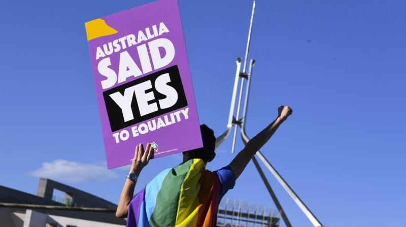 L'Australie rejoint le club des pays autorisant le mariage gay.