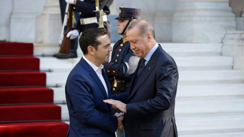 Le premier ministre grec, Alexis Tsipras (à gauche), et le président turc, Recep Tayyip Erdogan, hier à Athènes.