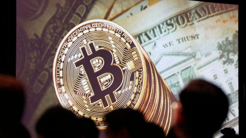 Le bitcoin, créé en 2009, est aujourd'hui la monnaie virtuelle la plus populaire au monde.