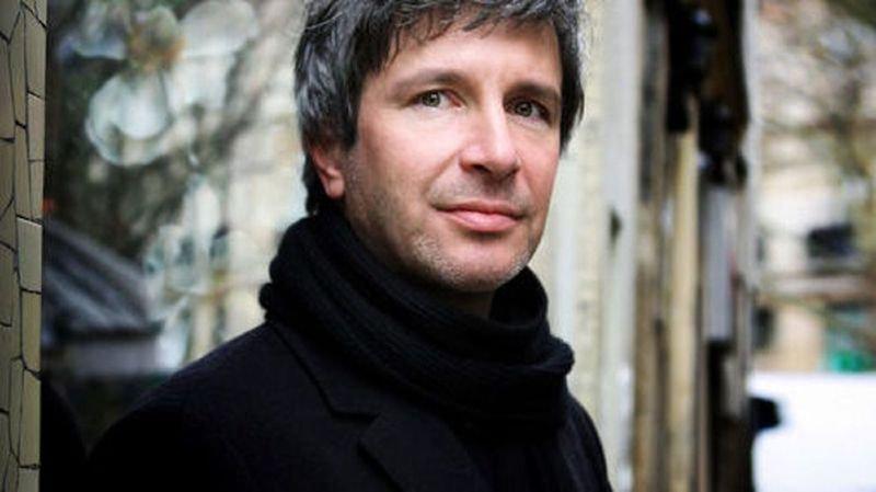 """Littérature: le Goncourt 2017 à Eric Vuillard pour """"L'ordre du jour"""", le Renaudot à Olivier Guez pour """"La disparition de Josef Mengele"""""""