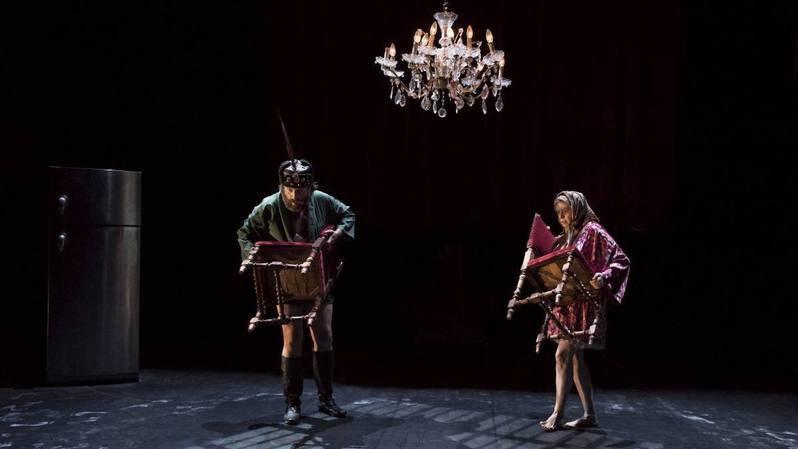 Neuchâtel: Agnès Limbo et ses marionnettes se dépatouillent avec le grave