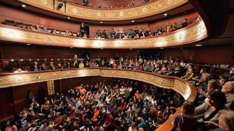 Le Theatre a l'italienne de l'Heure Bleue.
