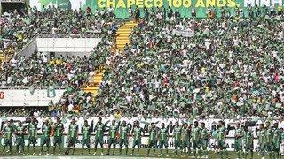 Football: décimée par un crash en novembre 2016, l'équipe de Chapecoense se maintient en première division brésilienne