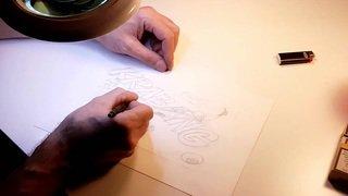 Le dessinateur de L'Express et L'Impartial Vincent L'Épée en plein travail