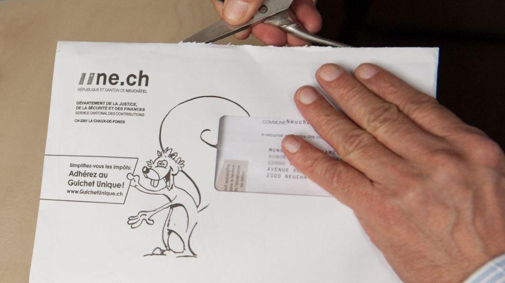 Les Neuchâtelois devront encore attendre avant de voir leur déclaration fiscale s'alléger.