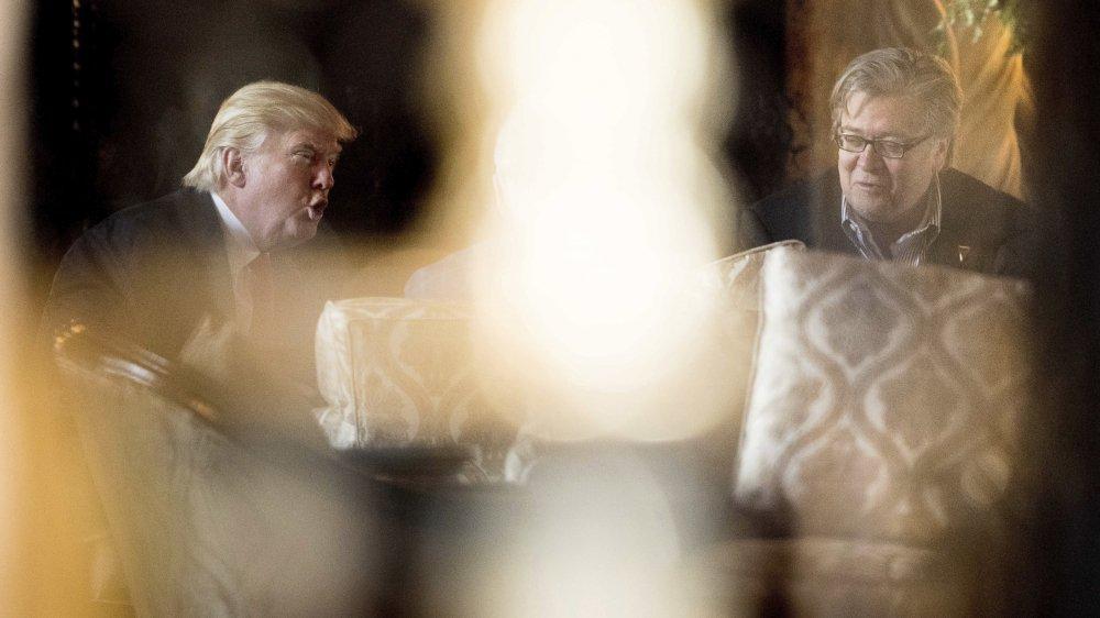 Entre Steve Bannon (à droite) et Donald Trump, la guerre est déclarée.