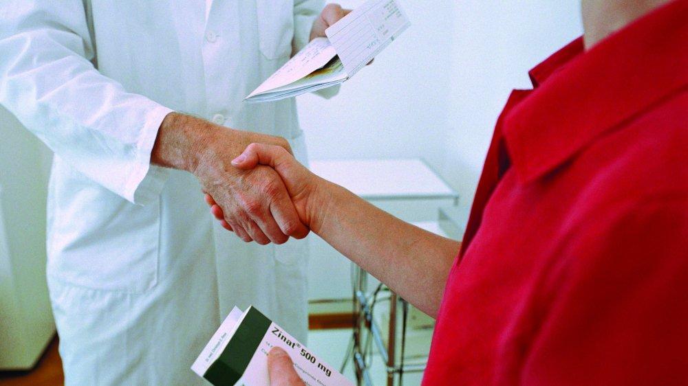 Réunissant médecins  et pharmaciens, les cercles  de qualité ont pour but d'affiner les prescriptions données  aux patients.