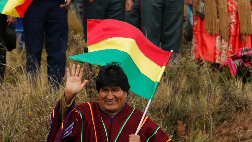Présent au rallye du Dakar, Evo Morales ne semble pas se soucier de la grogne...