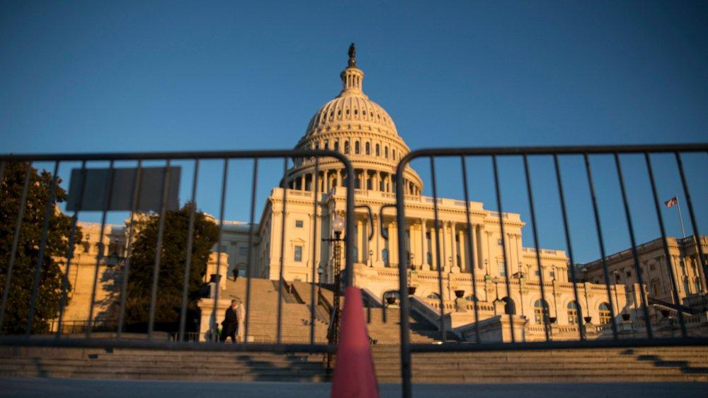 L'origine de ce «shutdown» est un bras de fer entre les démocrates et les républicains du Congrès, notamment sur la politique migratoire.