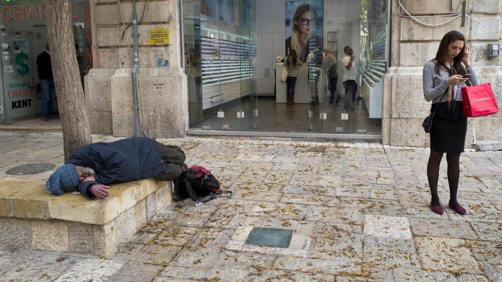 Si le nombre de personnes vivant dans l'extrême pauvreté décroît, selon Oxfam, les inégalités de richesse sont toujours plus criantes.