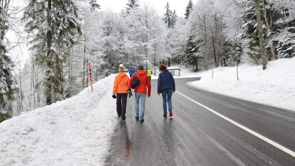 Ce lundi 1er janvier, 24 marcheurs et six cyclistes se sont levés de bon matin pour commencer l'année par une montée à la Tourne.