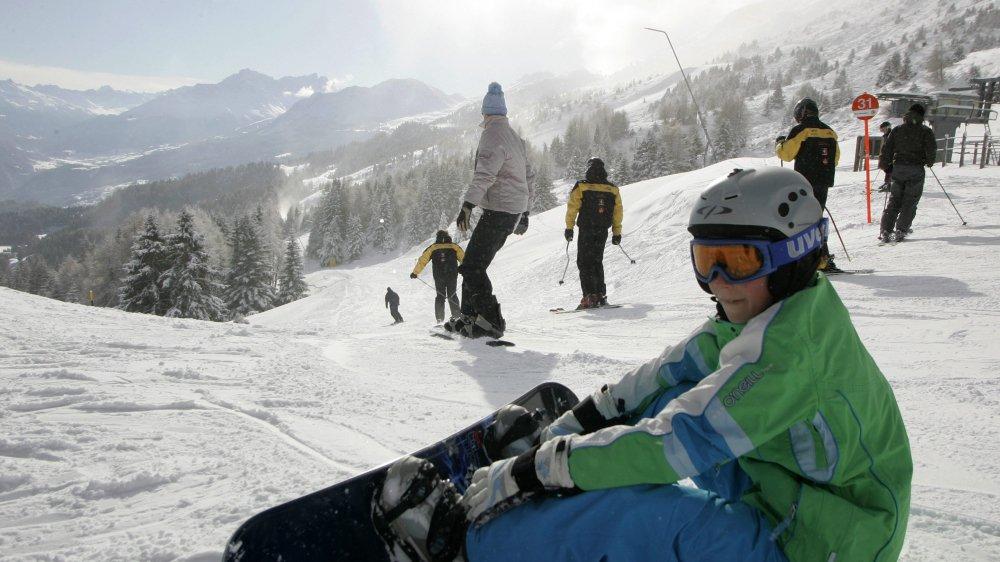 Le risque d'avalanches perturbe les camps de ski.