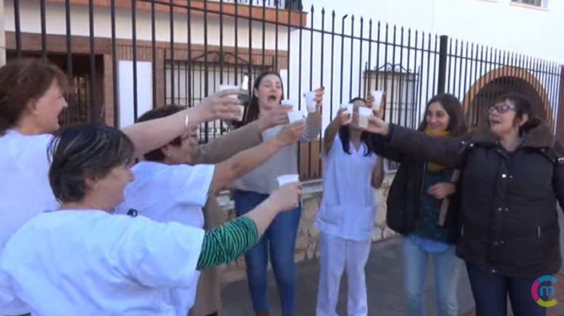 Espagne: les employés d'une maison de retraite remportent le pactole à la loterie de Noël