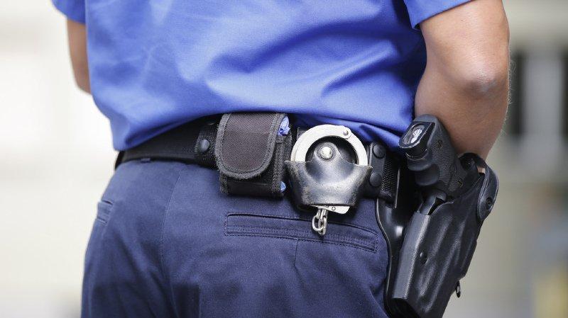 Bâle: ils se faisaient passer pour des policiers afin d'escroquer leurs victimes