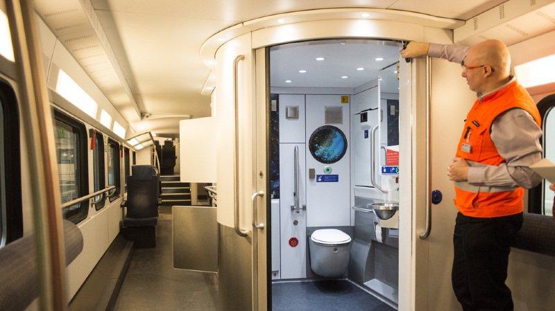 Une fois le réservoir plein, il faut attendre le soir pour le vider. En attendant, les toilettes se verrouillent automatiquement et sont inutilisables.