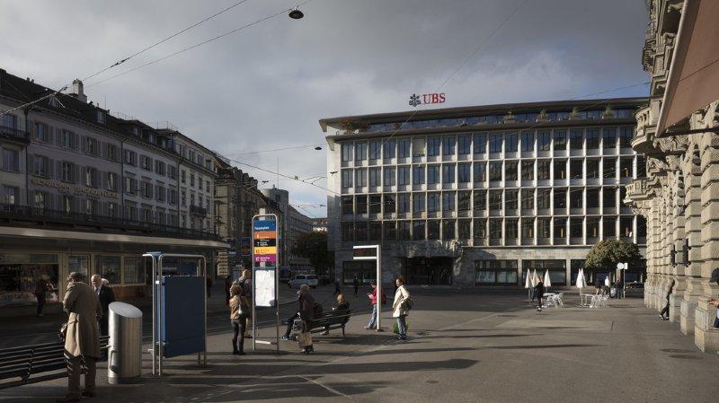 """Sur les documents, il était écrit """"Paradeplate"""" au lieu de """"Paradeplatz"""" et """"Natiuonal Bank"""" à la place de """"Nationalbank""""."""