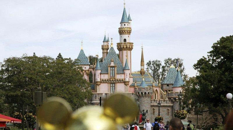 En cette période de Noël, le parc d'attractions californien atteint presque sa pleine capacité d'accueil des visiteurs. (Illustrations)