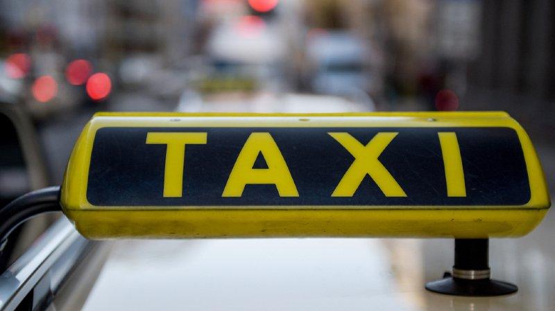Danemark: un trafiquant de drogue prend une voiture de police pour un taxi