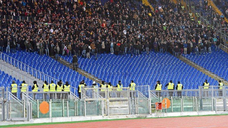 Deux matches à huis-clos ont été requis contre la Lazio Rome dans l'affaire des photos détournées d'Anne Frank retrouvées au Stade Olympique.