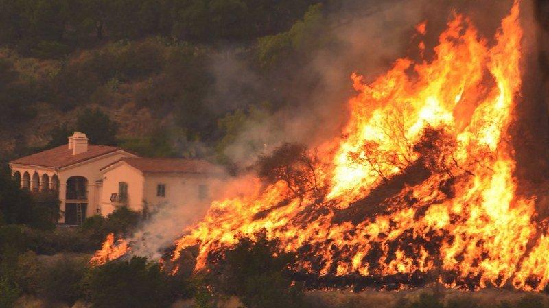 Californie: l'incendie qui ravage Thomas est le 3e plus dévastateur depuis plus de 80 ans