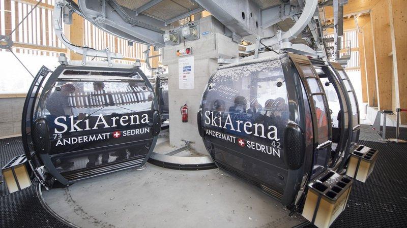 Domaine skiable d'Andermatt: de la gare aux pistes en télécabine