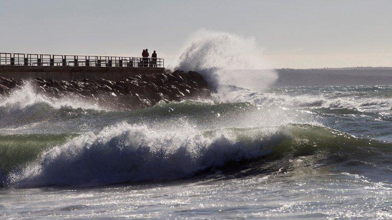 Des vents jusqu'à 120 km/h et des vagues de dix mètres ont été enregistrés en Espagne.