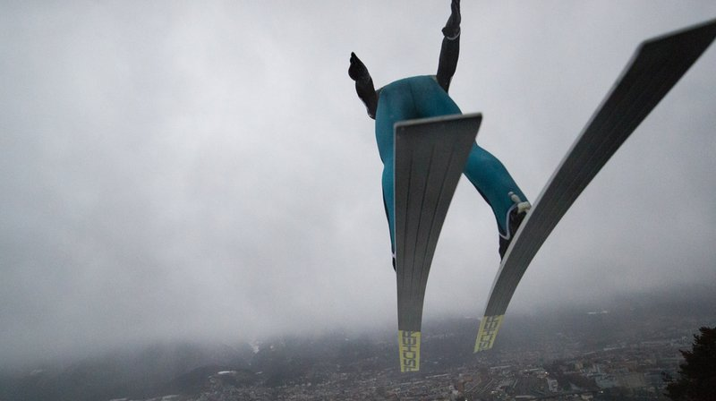 Saut à skis: Simon Amman 12e à Oberstdorf, la 4e manche interrompue
