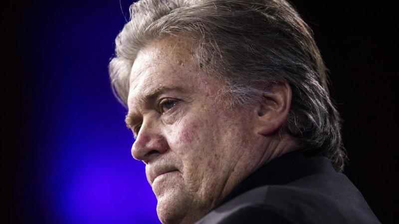 """Etats-Unis: Donald Trump accuse son ex-conseiller Steve Bannon d'avoir """"perdu la raison"""""""