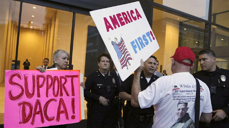 États-Unis: l'abrogation du programme pour les jeunes sans papiers voulue par Trump bloquée