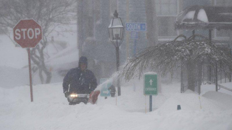 Etats-Unis: une tempête polaire paralyse le nord-est du pays et fait 17 morts