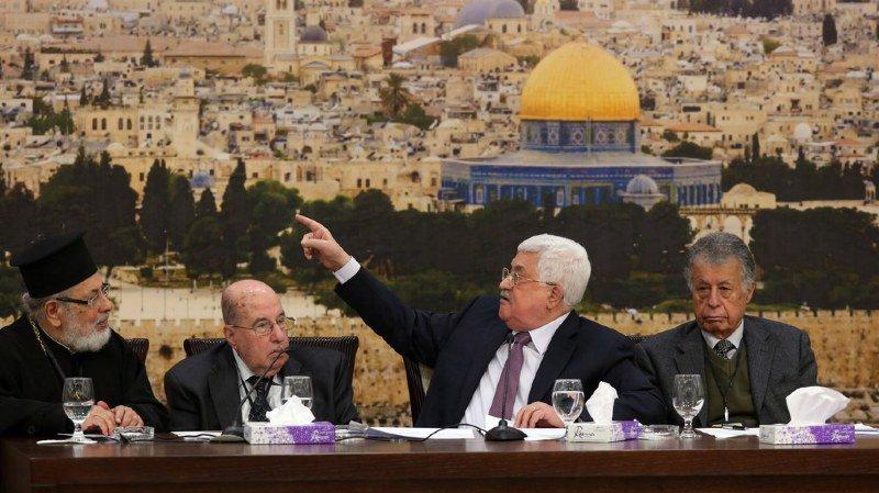 """Dans un vote intervenu à Ramallah en Cisjordanie occupée, le conseil central de l'OLP a """"chargé le comité exécutif de l'OLP suspendre la reconnaissance d'Israël."""