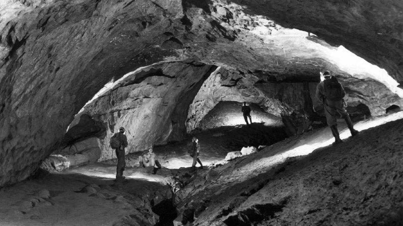 Muotathal (SZ): huit hommes bloqués par une crue dans la grotte du Hölloch