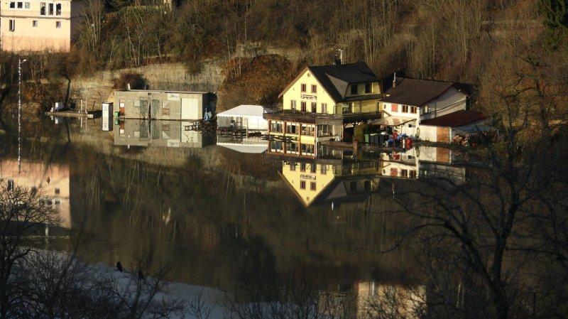 Le Doubs a été en crue de Pontarlier à Saint-Ursanne
