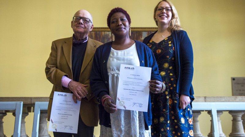 Le prix Salut l'étranger! a été remis à l'ethnologue Pierre Centlivres, à la présidente de l'association Coeur d'Afrique Assamoi Rose Lièvre et à la coordinatrice du programme Français pour tous Isaline Deléderray-Oguey.